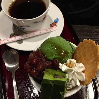 抹茶パフェ食べ(かごの屋 吹田五月が丘店 )