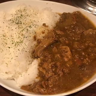 南国風牛すじカレー メガ(the 肉丼の店 赤坂店)