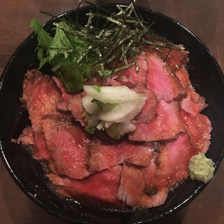 ローストビーフ丼1.5倍(キャメル ダイナー (CAMEL DINER))