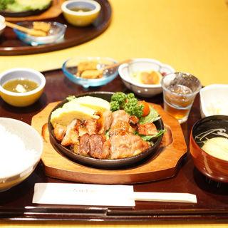 鉄板焼定食 名古屋コーチン味淋粕漬(六行亭 )