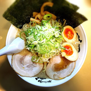 しょうゆ味玉子ラーメン(超ごってり麺 ごっつ)