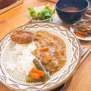 丼定食(カレーライス)(リラックス食堂 HARAJUKU)