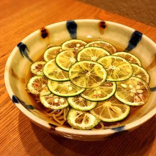冷たい蕎麦 すだち蕎麦(蕎や 月心 (つきごころ))