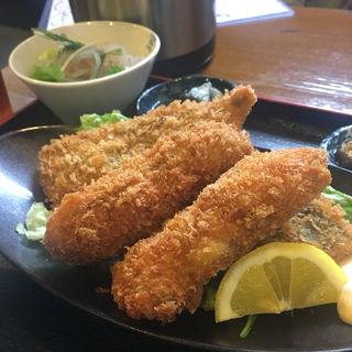 カキフライ定食(鰾)