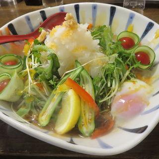 冷製おろしぶっかけ黒胡麻麺(麺鮮醤油房 周月 )