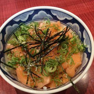 サーモン生ハラス丼(小松家 (こまつや))