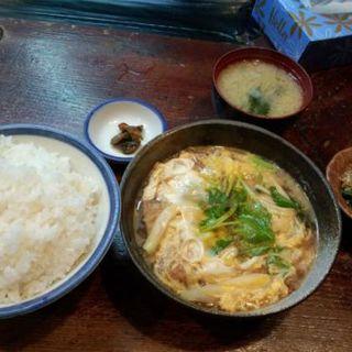 カツ玉子とじ定食(居酒屋ぜん )