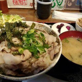 芳寿豚の極上豚丼大盛り(くんち )