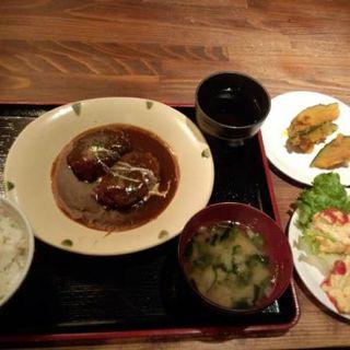 牛肉ハンバーグランチ(マニマニ (mani mani))