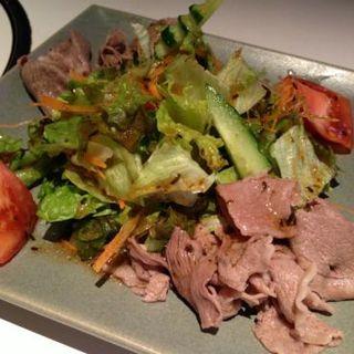 和牛肉の冷しゃぶサラダS(びもん (洋食 びもん))