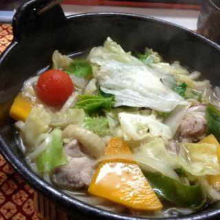 地鶏と野菜の煮込みうどん(さざめうどん 落柿舎 (サザメウドンラクシシャ))