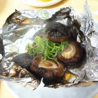 椎茸のホイル焼き(みつわや酒店 )