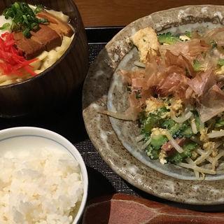 ゴーヤチャンプルーと沖縄そば定食(海人酒房 )