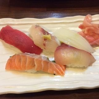 お寿司盛り合わせ(立ち飲み処 まさか )