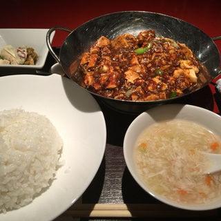重慶式麻婆豆腐セット(過門香 銀座店)
