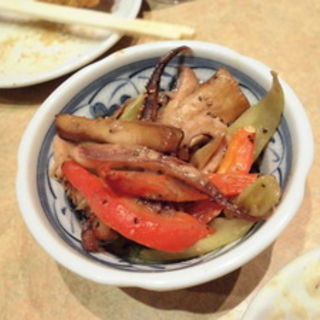 イカ、エリンギ、セロリのバター炒め(恵美寿屋 (えびすや))