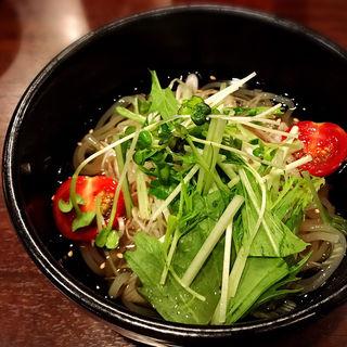 冷麺ハーフ(梅肉入り)(焼肉あかみうし 恵比寿 )