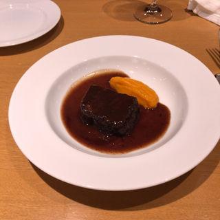 牛ホホ肉の赤ワイン煮込み(ラボンヌターシュ )