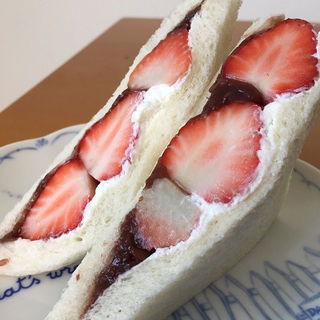 イチゴ小倉サンド(朝日屋 )