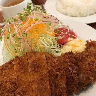 もち豚のポークカツ  (スープ・ライス付き)(レストラン・サカキ (RESTAURANT SAKAKI))