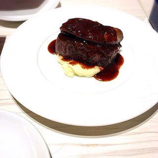 US産 牛フィレ肉のステーキ トリュフソース(俺のフレンチ 梅田 )