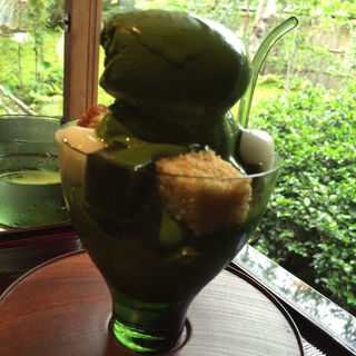 無碍山房濃い抹茶パフェ(無碍山房 Salon de Muge )