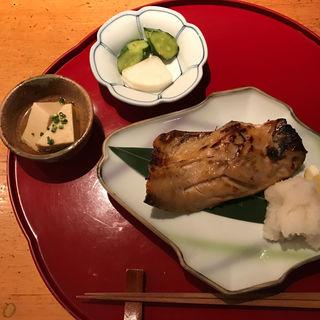 鯖の味噌漬け焼き定食(伊豆の旬 やんも 南青山店 (いずのしゅん やんも))