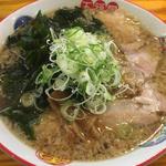 肉ワカメラーメン(五福星 (うーふーしん))