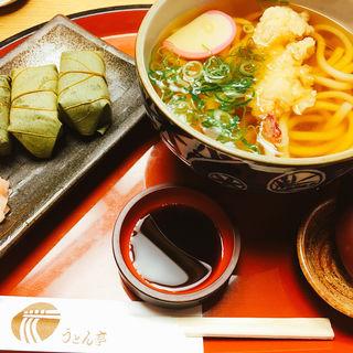うどんと柿の葉寿司セット(うどん亭 近鉄奈良駅前店 )