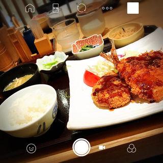 メンチカツと鯵フライのお昼の定食(大かまど飯 寅福 横浜ジョイナス店 )