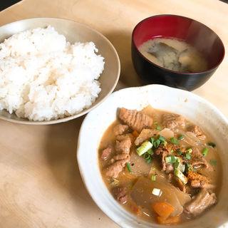 もつ煮定食(かんだ食堂 (かんだしょくどう))