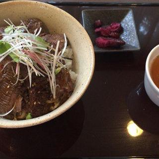 焼肉丼(ガーデンテラス )