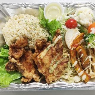 野菜と食べる札幌ザンギプレート(ベントス 大通8丁目店)