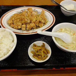 本日のランチ:油淋鶏(蓮香園新館)