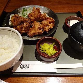 鳥唐揚げ定食(自然や 横浜ポルタ店 (じねんや))