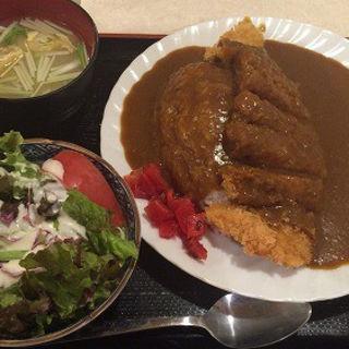 カツカレーとサラダ (レストラン 千味 )