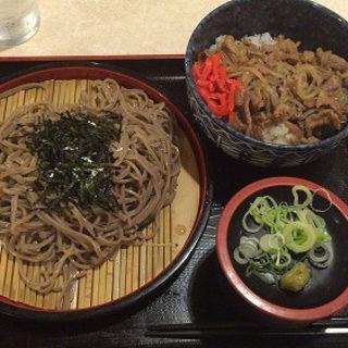 牛肉丼とざるそば(レストラン 千味 )
