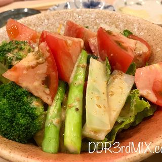 トマトサラダ(まずい魚 青柳 (マズイサカナアオヤギ))