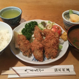 カキフライ定食(三州屋)