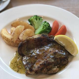 チキンソテー バジルソース(レストランミューズ)