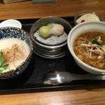 酸辣麺とおかゆのハーフ&ハーフセット