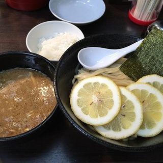 濃厚魚介豚骨レモンつけ麺(スージーハウス )