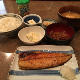 魚定食(網焼おか )