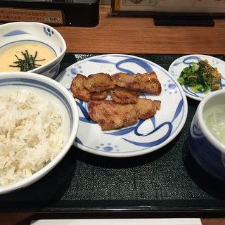 豚旨辛焼セット(ねぎし 赤坂見附店 )