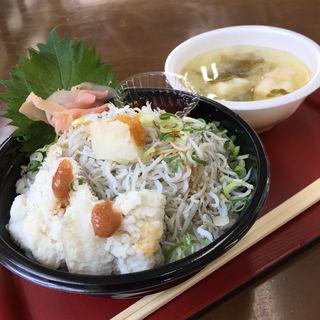 釜揚げしらす丼(海鮮館 (かいせんかん))
