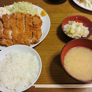 ジャンボチキンカツ定食屋(幸(さち))