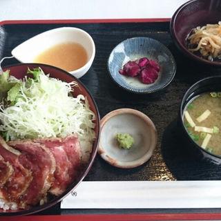 ローストビーフ丼(浅間牧場茶屋)