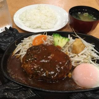 ハンバーグステーキ(クーポール 本店 )