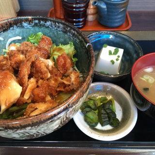 チキンカツソース (鳥佳 溜池山王店 (トリヨシ))