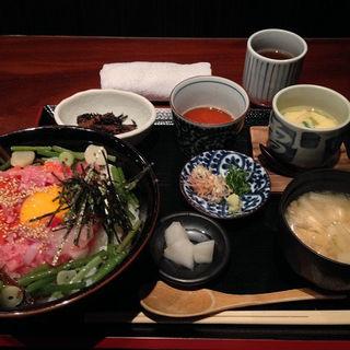 海鮮タルタル丼(赤坂 転石亭 HANARE (アカサカテンセキテイハナレ))